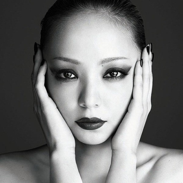 Namie_Amuro_-_FELL_(CD Bluray)
