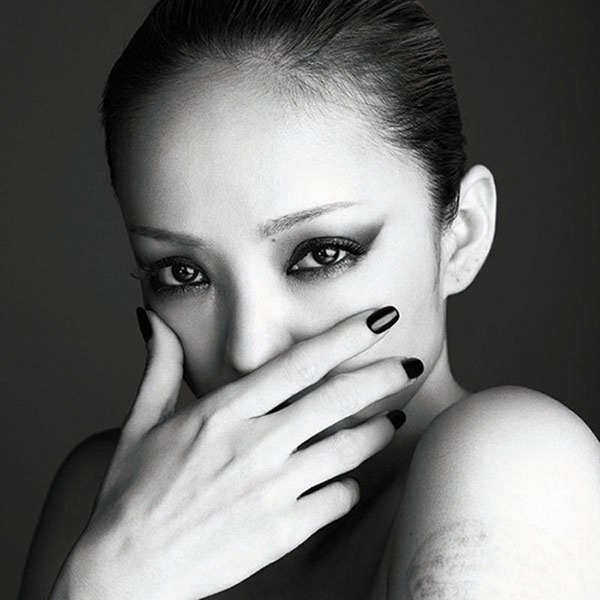 Namie_Amuro_-_FELL_(CD DVD)